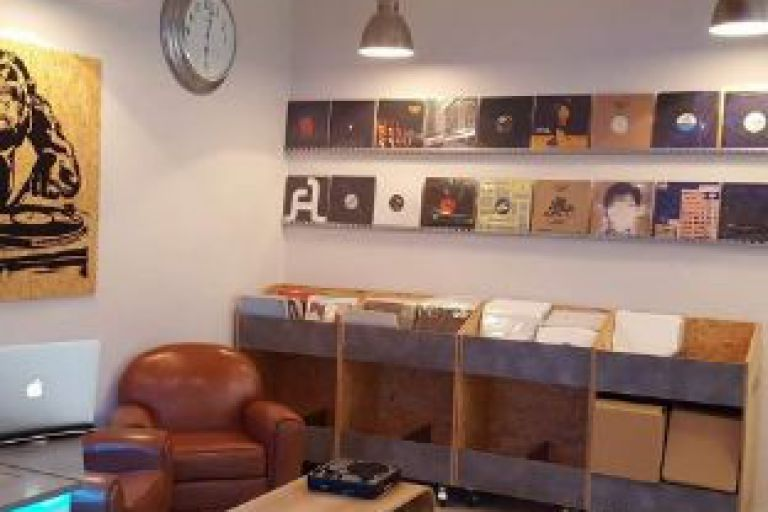 INSTALLATION DE HOUSE MONKEY RECORDS
